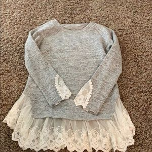 Sweaters - Grey sweater with lace trim